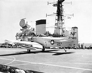 3D radar - Image: AD 6 of VA 52 landing on HMS Victorious (R38) 1961