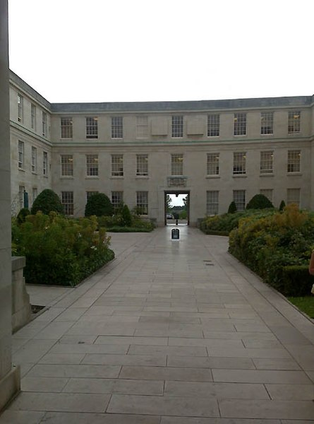 File:Across the Trent Building Courtyard - geograph.org.uk - 1400702.jpg