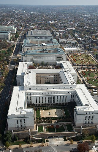 House office buildings. Front to Back: Rayburn Building, Longworth Building, Cannon Building. Behind the Cannon Building is the James Madison Memorial Building (part of the Library of Congress) Aerial View of the House Office Buildings - November 6, 2015 (23034001573).jpg