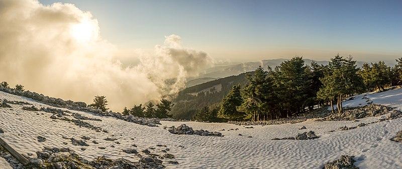 File:Ainos at winter.jpg