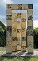 Allievi dell'istituto statale d'arte di sesto fiorentino, monumento il futuro e la memoria, dedicato alle vittime del nazifascismo, a.s. 1994-95, eretto nel 1998, 02.jpg
