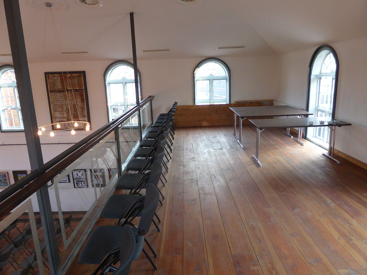 Alte Synagoge Hagenow - Innenraum B.JPG