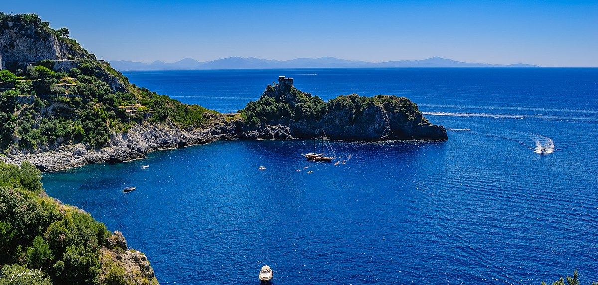 Amalfi Coast (247891371).jpeg