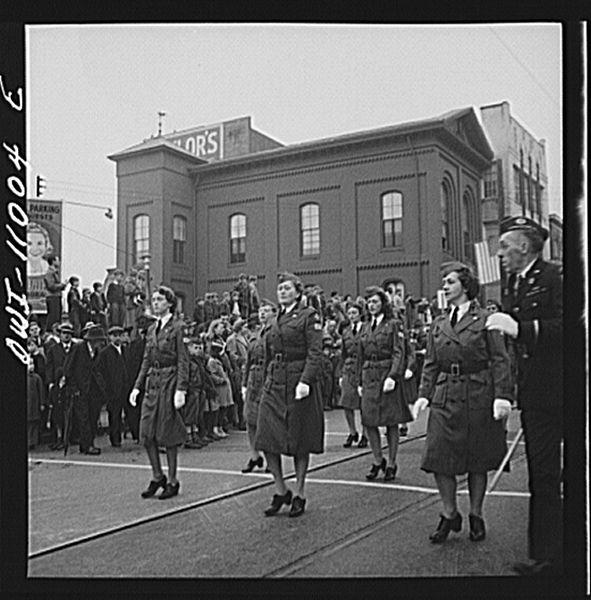 File:Armistice day parade8d23426v.jpg