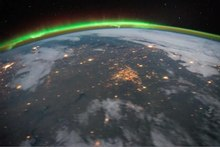 Fichier:Aurora Borealis and eastern United States at Night.ogv