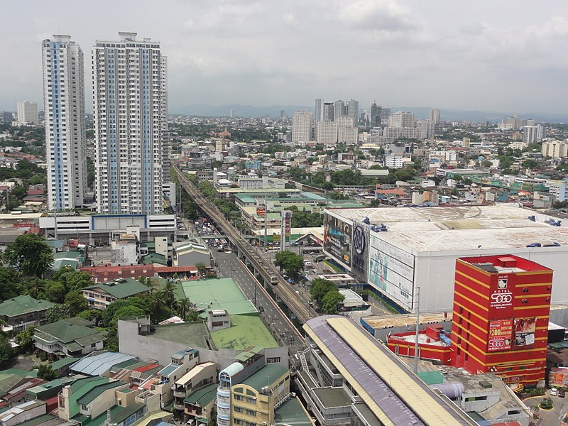 Talaksan:Aurora Boulevard cor G. Araneta Ave with V. Mapa Station and SM City Sta. Mesa (Philippines)(2015-0703).jpg