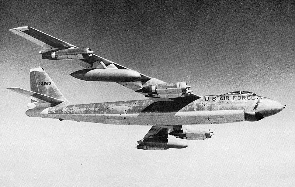B47E in flight