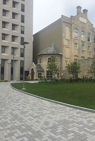 Temple University Beasley School of Law - Back entrance of Barrack Hall