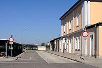 Bahnhof Gramatneusiedl Bussteige.jpg