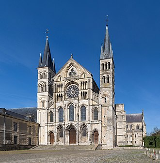 Abbey of Saint-Remi - Image: Basilique Saint Remi de Reims Exterior 1, Reims, France Diliff