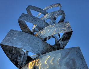 Stainless steel sculpture Begynnelse (Beginnin...
