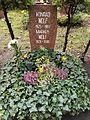 Berlin Friedrichsfelde Zentralfriedhof, Pergolenweg - Konrad + Markus Wolf 3.jpg