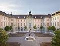 Bern Burgerspital Innenhof.jpg