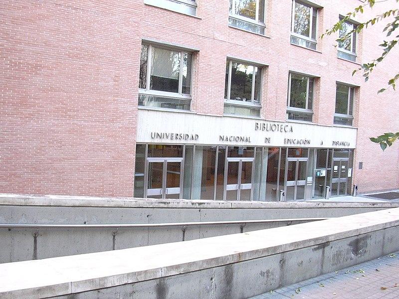 File biblioteca de la uned espa a jpg for Biblioteca de la uned madrid
