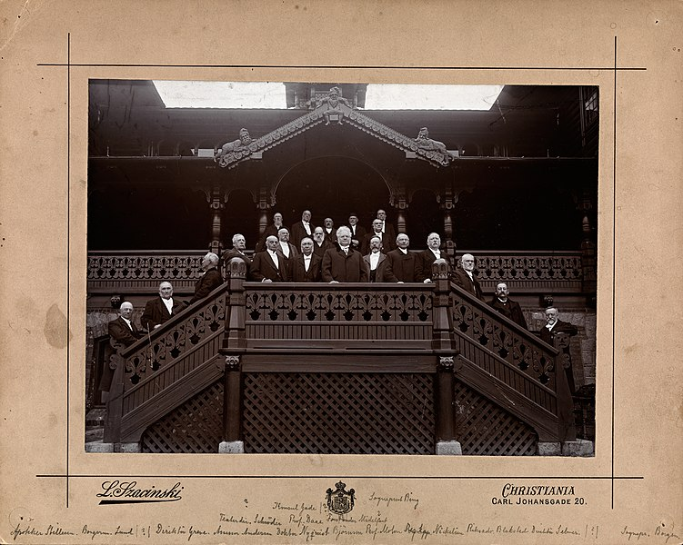 studentjubileum 50 år File:Bjørnsons 50 års studentjubileum, Holmenkollen, 1902  studentjubileum 50 år
