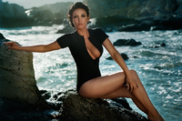 Bleona Qereti's Ibiza photo shoot by Vincent Peters (09).png