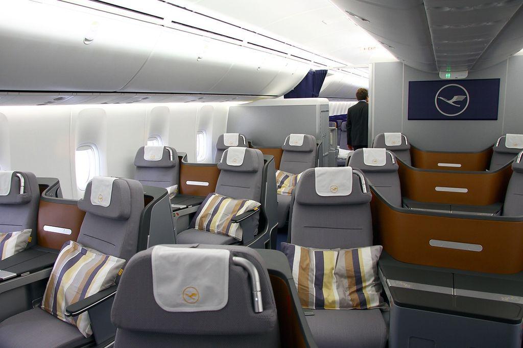 File Boeing 747 830 Lufthansa An2100135 Jpg Wikimedia