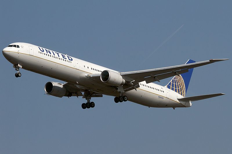 File:Boeing 767-424-ER, United Airlines AN2083668.jpg
