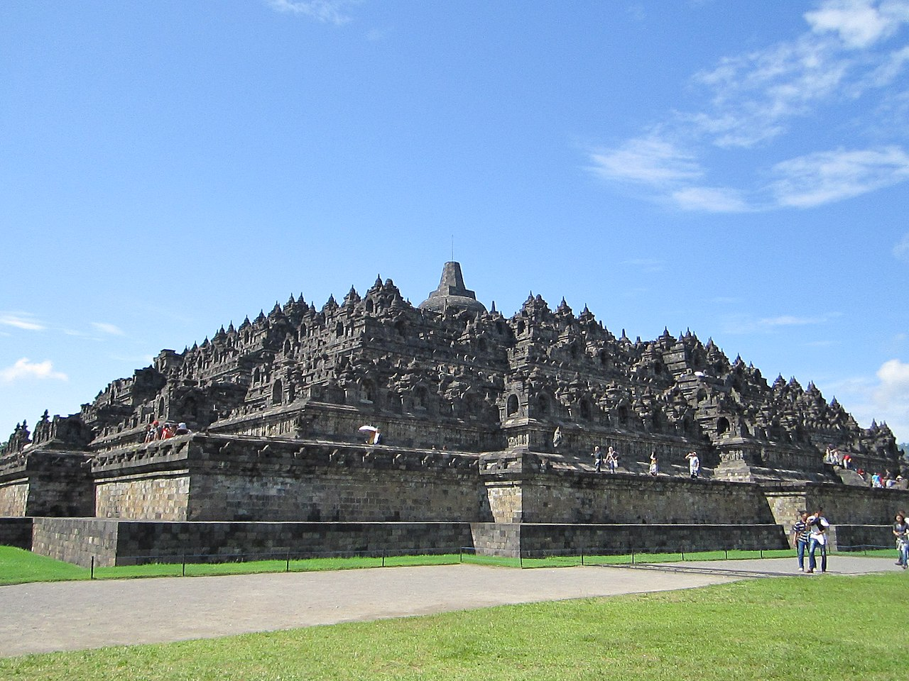 Borobudur Temple.jpg