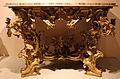 Bottega romana, console, 1710 ca., base in legno e piano di marmo.JPG