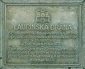 Bratislava Laurinska ulica tabula na ceste.jpg