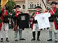Braunschweiger-Buerger-Brunch 2 T-Shirts und BS-Jaeger.JPG
