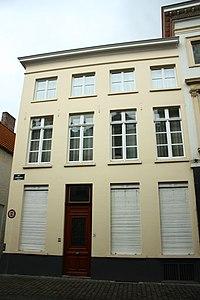 Breedhuis, XVI-XVII-kern, lijstgevel - Sint-Jakobsstraat 31 - Brugge - 29671.JPG
