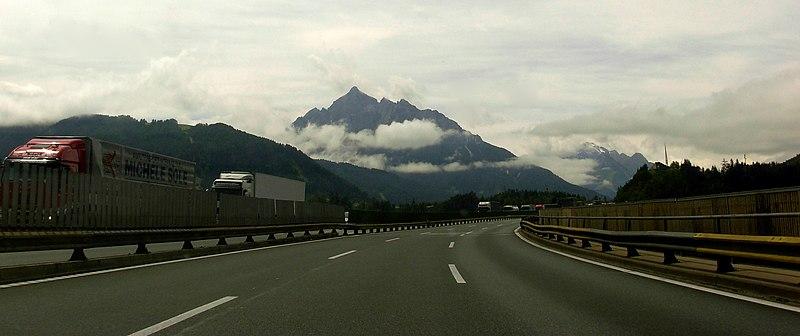 File:Brenerio autostrada2.jpg