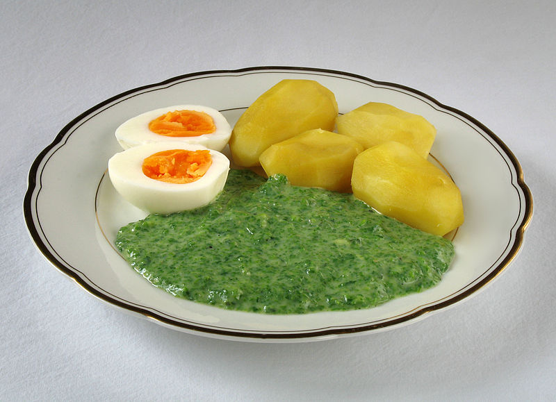 Spinat mit Kartoffel und Ei