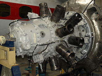 Bristol Centaurus - A Centaurus with cylinders removed exposing the sleeve valves.
