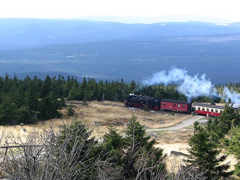 File:Brocken mit Brockenbahn.jpg