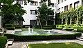 Brunnen Promenadeplatz 12 München.jpg