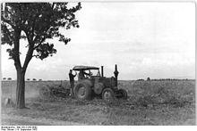 Bundesarchiv Bild 183-21262-0002, Klein-Oschersleben, Kartoffelernte.jpg