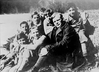 Dietrich Bonhoeffer - Dietrich Bonhoeffer on a weekend getaway with confirmands of Zion's Church congregation (1932)