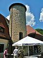 Burg Rabenstein Terasse-mit-ehmaligen Bergfried.jpg