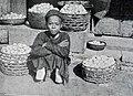 Cậu bé bán khoai, năm 1900.jpg