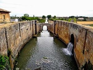 Canal de Castilla 2.jpg