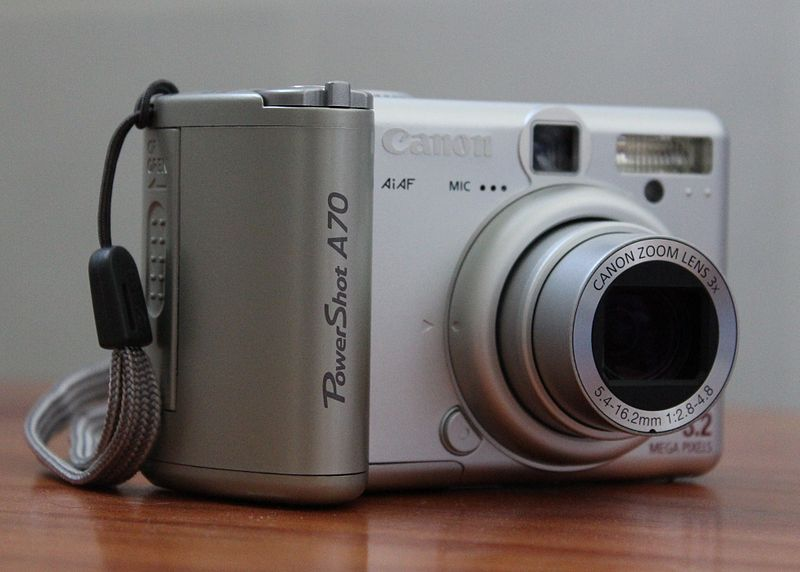 File:Canon PowerShot A70 (side view).JPG