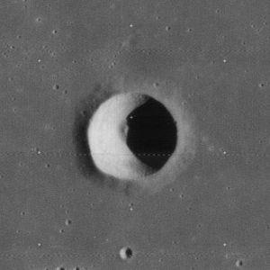 Carlini (crater) - Image: Carlini crater 4134 h 1