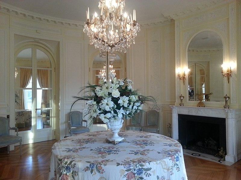file carolands chateau bordeaux salon wikipedia. Black Bedroom Furniture Sets. Home Design Ideas