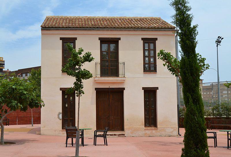 File:Casa de Voro el de la Barraca, parc de Marxalenes.JPG