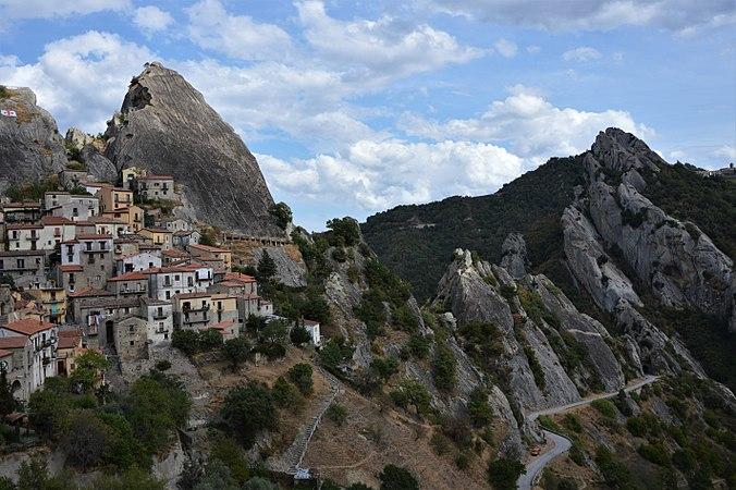 Castelmezzano Dolomiti Lucane.jpg