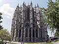 Cathédrale Saint-Pierre de Beauvais, vue extérieure du chevet.jpg