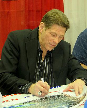 Charlie Waters - Image: Charlie Waters signs autographs Jan 2014
