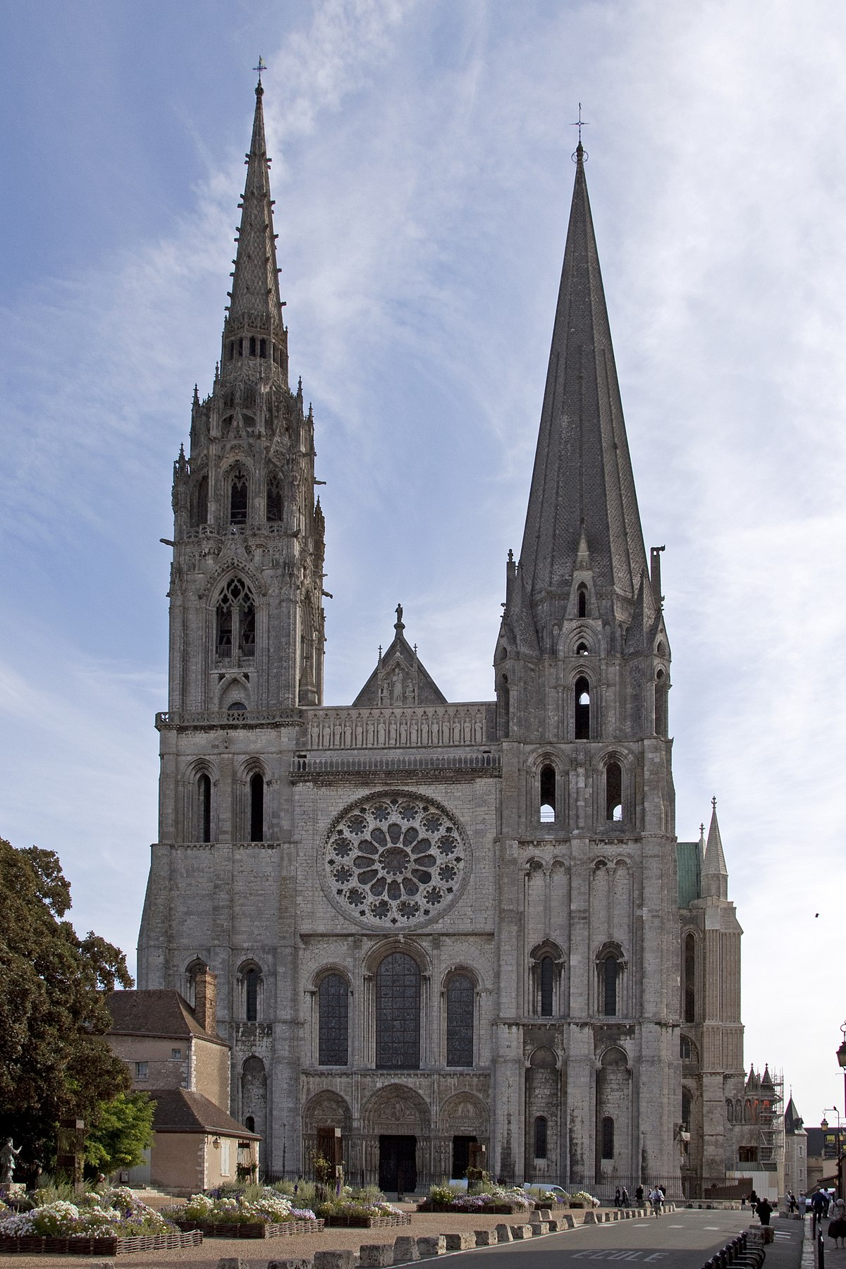 chartres cathedral Chartres cathedral (french: notre-dame de chartres, our lady of chartres) is a cathedralit is in chartres, about 80 km south of parisit is built in the gothic style.