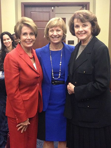 File:Congresswoman Pelosi joins UC San Francisco Chancellor Susan Desmond-Hellmann and Senator Dianne Fienstein (9938886963).jpg