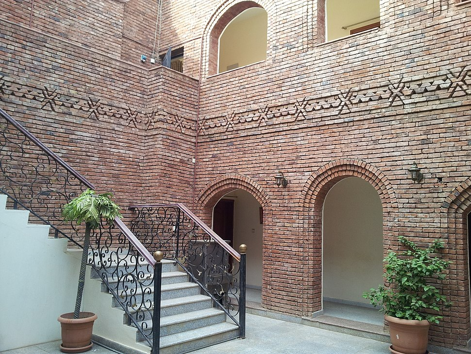 Courtyard 2, yemen