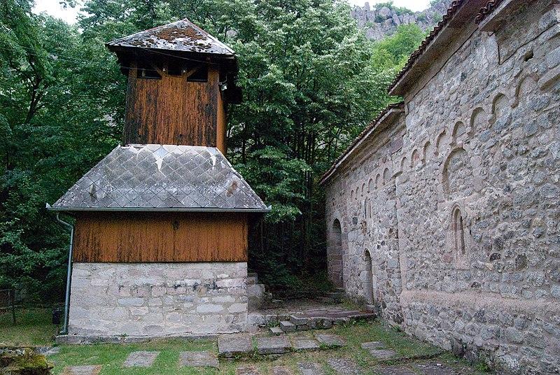 Nebeski vidici sa despotovog grada Borača 800px-Crkva_u_Boracu_zvonik