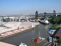 Cuyahoga river at Cleveland.jpg