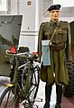 Cyclist en fiets Gunfire Museum Brasschaat 13-03-2021.jpg